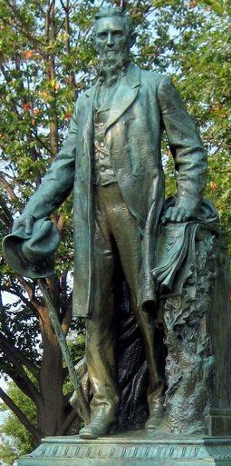 ezra_cornell_statue2
